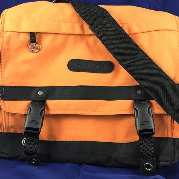 Samsonite Trunk En Co.Samsonite Trunk And Co Orange Messanger Bag